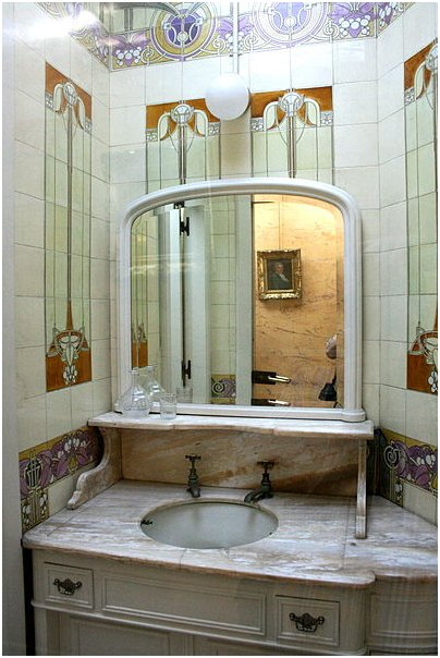 ornate bathroom